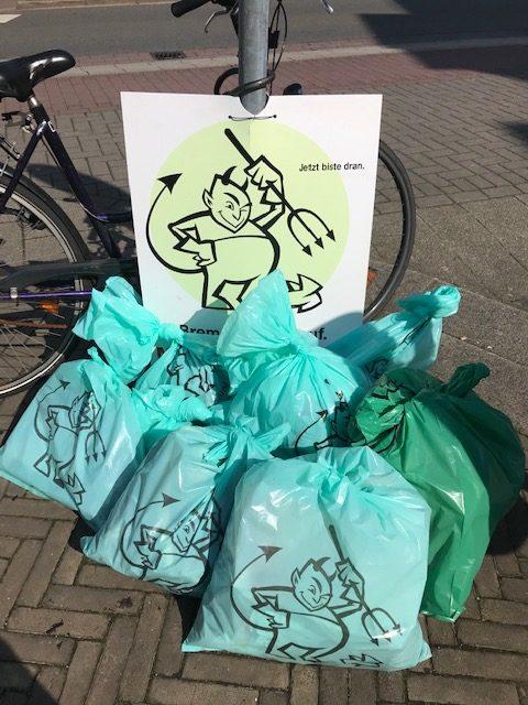Offizielle Sammelstelle von Bremen räumt auf