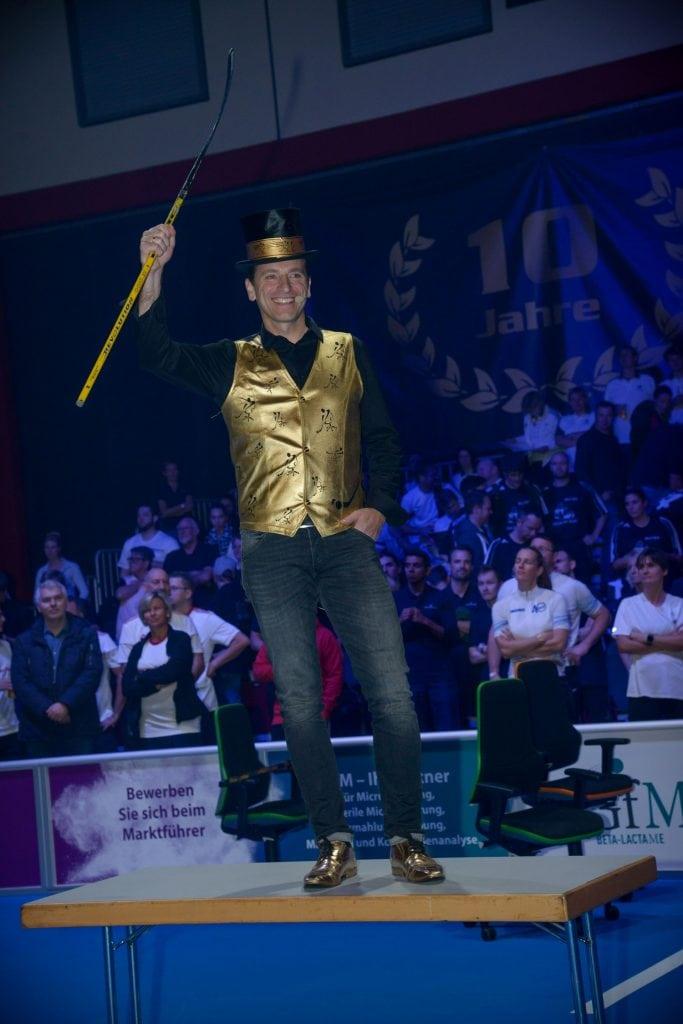 Chair-Hockey Pionier Jens Fislage Eroeffung CHM (c) Miklas Wrieden fuer BKE Fislage